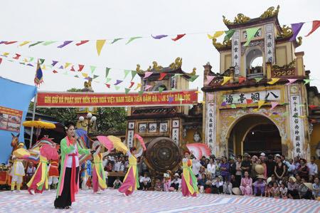 /pic/news/Images/abc/ngay%2013-10/11631_dendongbang.jpg