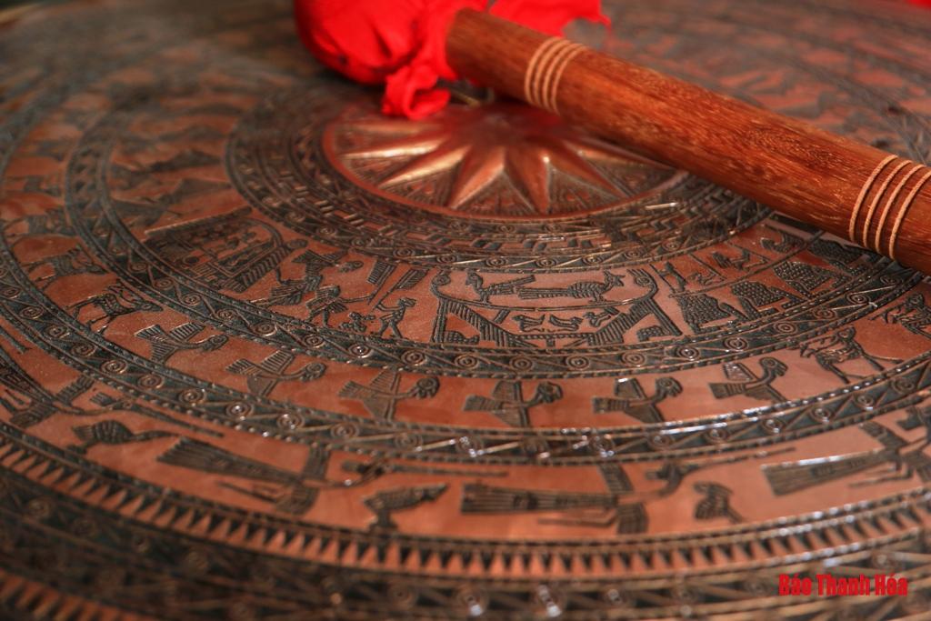 (36)- Làng Chè - Trà Đông: Sống mãi nghề đúc đồng truyền thống