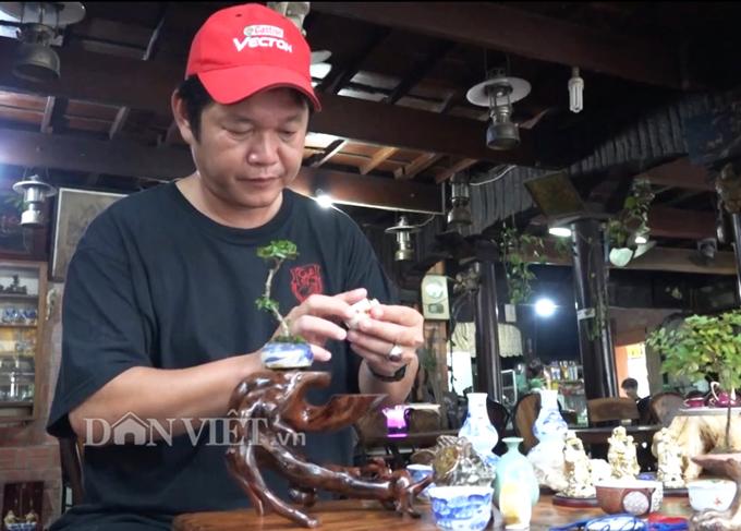 pic/news/Bo-suu-tap-do-gom-sieu-nho-doc-nhat-o-mien-Tay-636986968326081307.jpg
